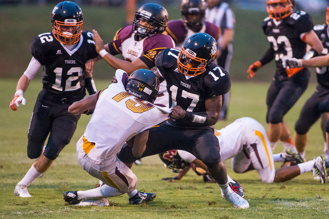 woodberry forest girls Football town of wake forest honors football state champions (mar 17, 2018) football apex hires former player to take over football program recruiting.